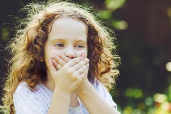 Sprachfehler beim Kind: Diese Behandlungs- und Lösungsmöglichkeiten gibt es