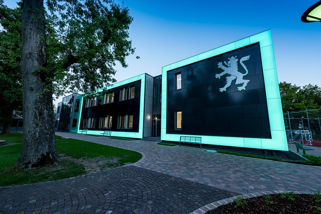 Das neue Schulhaus